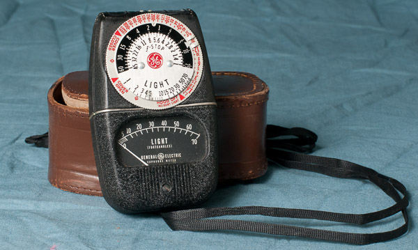 General Electric photographic light meter